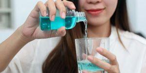 sử dụng nước súc miệng đúng cách, cách sử dụng nước súc miệng đúng cách, su dung nuoc suc mieng dung cach, hướng dẫn cách sử dụng nước súc miệng đúng cách, hướng dẫn sử dụng nước súc miệng đúng cách