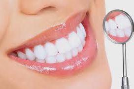 Tẩy trắng răng có tốt không? Chuyên gia nói gì?